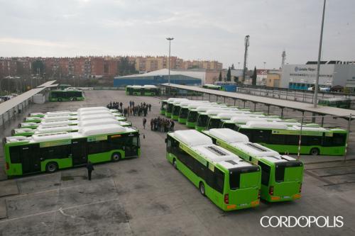 Mañana empezarán a circular los 20 autobuses de gas
